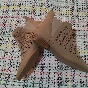 Laser cut booties Plume by Faryl Robin